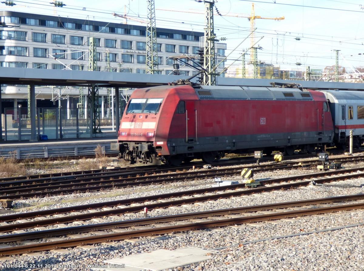 101 044-6 aufgenommen am 22.11.2014 im Hauptbahnhof Stuttgart