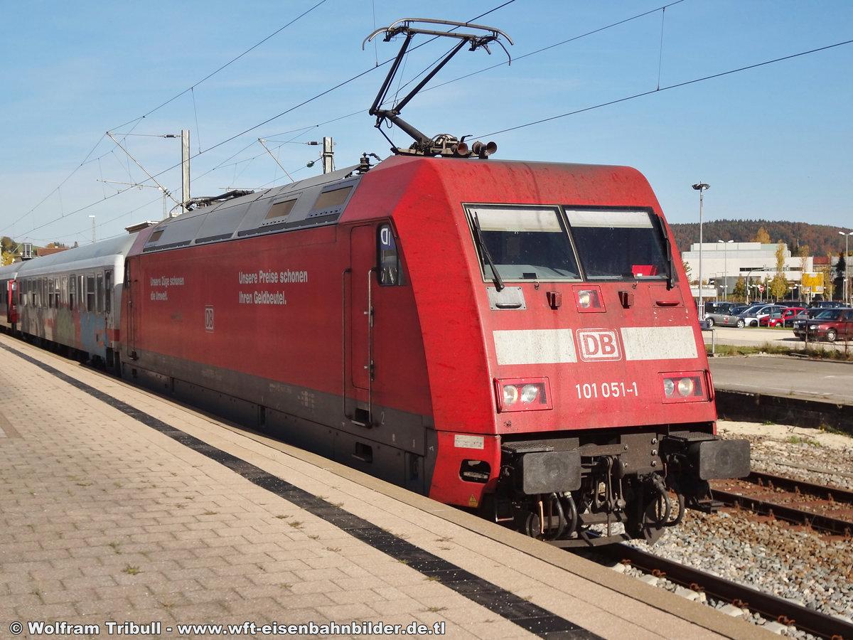 101 051-1 aufgenommen am 20.10.2012 im Bahnhof Tuttlingen