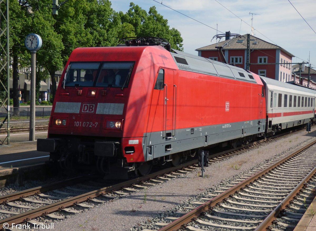 101 072-7 aufgenommen am 25.05.2014 im Bahnhof Singen