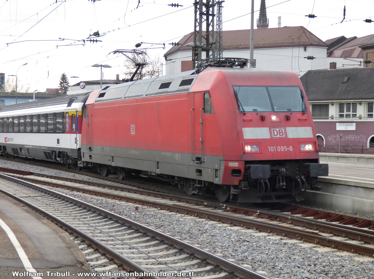 101 095-8 aufgenommen am 25.01.2014 im Bahnhof Offenburg