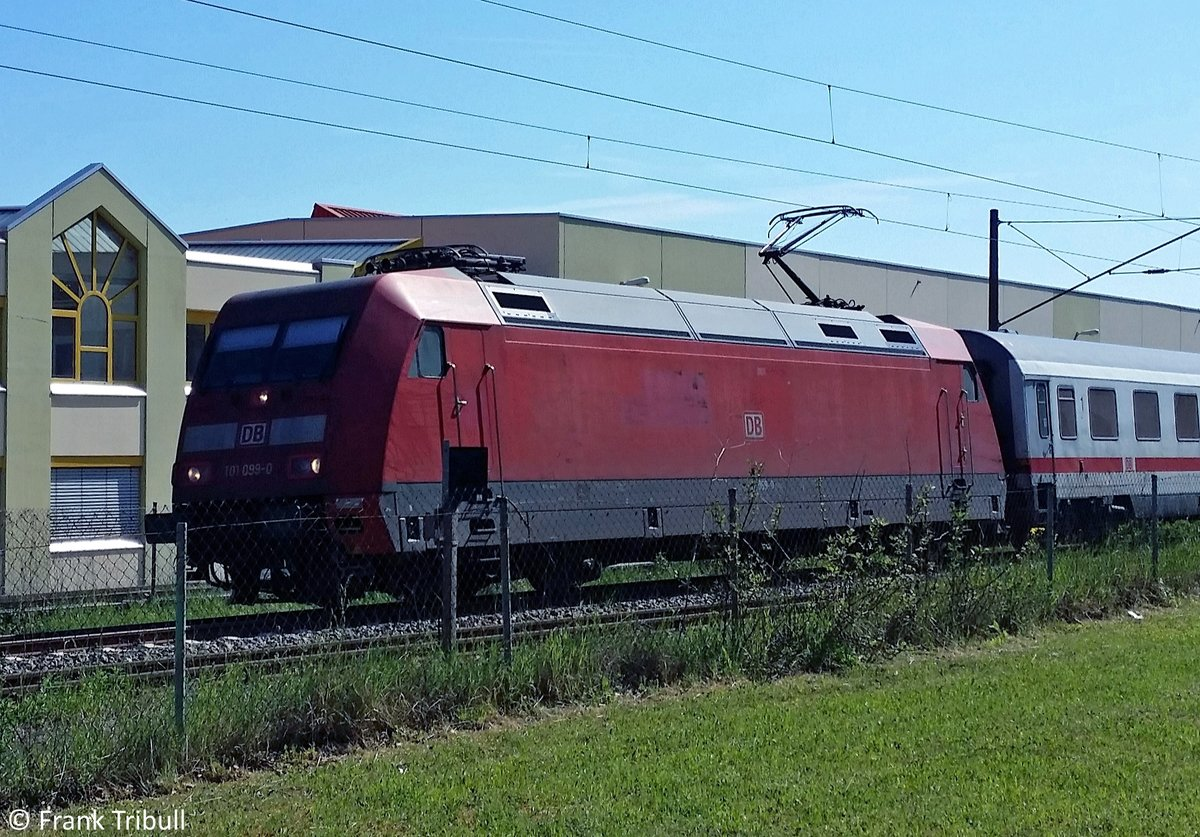 101 099-0 aufgenommen am 28.05.2017 auf der Schwarzwaldbahn Höhe Gutmadingen