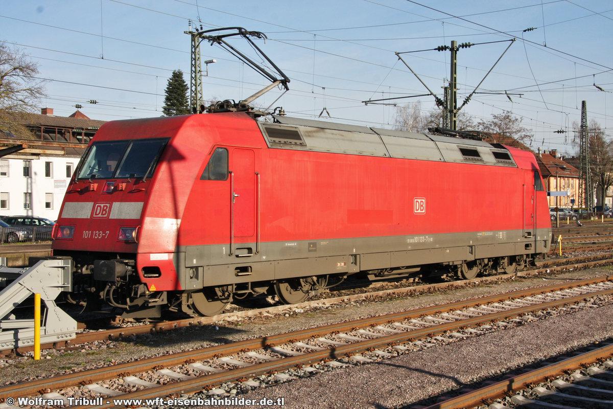 101 133-7 aufgenommen am 24.12.2012 im Bahnhof Singen (Hohentwiel)