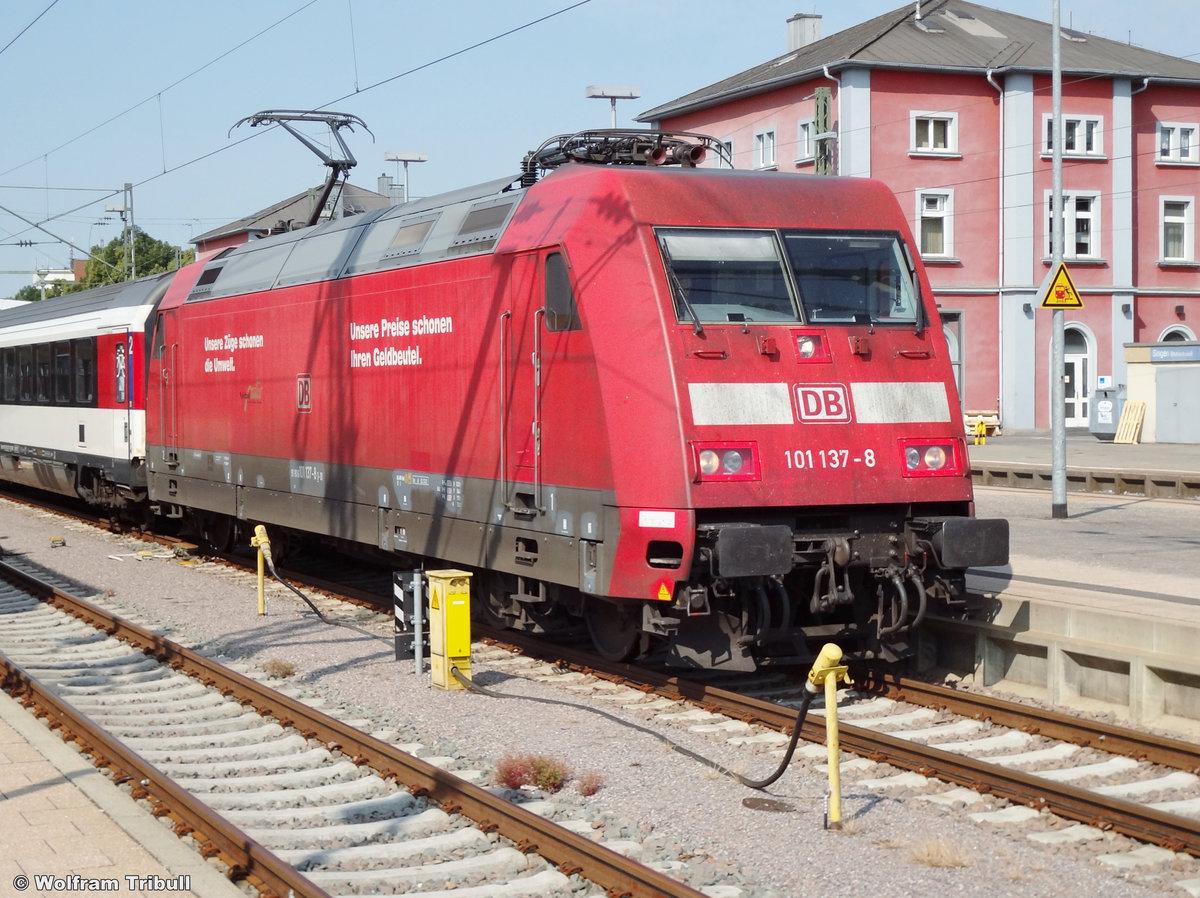 101 137-8 aufgenommen am 13.07.2013 im Bahnhof Singen