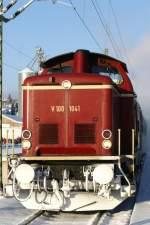 1041/47791/dreikoenigsdampf-2010-mit-volldampf-von-singen Dreikönigsdampf 2010. Mit Volldampf von Singen (Htw.) und Rottweil zur Dreiseenbahn (Singen-Engen-Donaueschingen-Titisee-Seebrugg und zurück). Die Personenzug-Tenderdampflokomotive 78 468 unterstützt von einer historischen Diesellok V 100 1041 aufgenommen am 02.01.2010 in Donaueschingen.